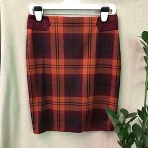 The Limited- Plaid Pencil Skirt - sz6